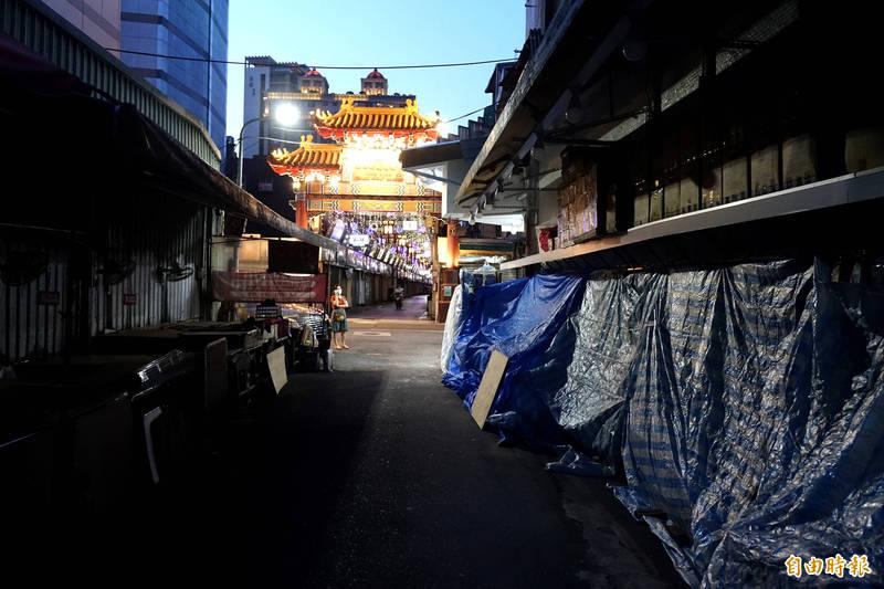 萬華店家嚴重受創,北市府將依據經濟部的紓困基礎,加碼補貼1成、至少2萬元。(資料照,記者王藝菘攝)