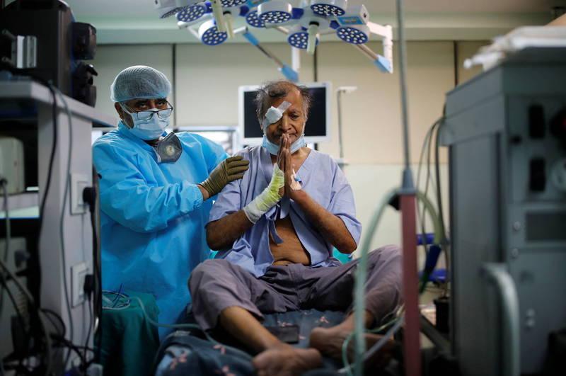 印度第2波武漢肺炎疫情中,有大批患者感染毛霉菌感染症。(路透)