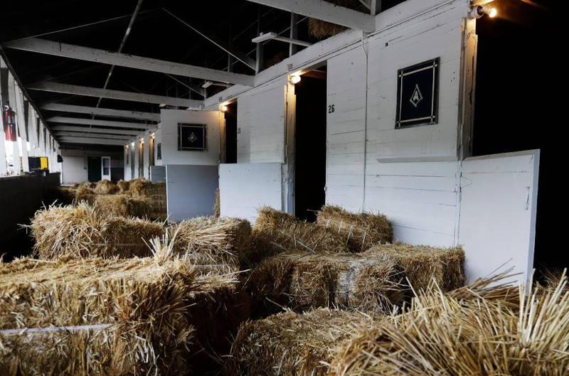 美國一名19歲少年拂曉闖入馬術場,性侵一匹母馬後逃逸。馬廄示意圖。(美聯社)