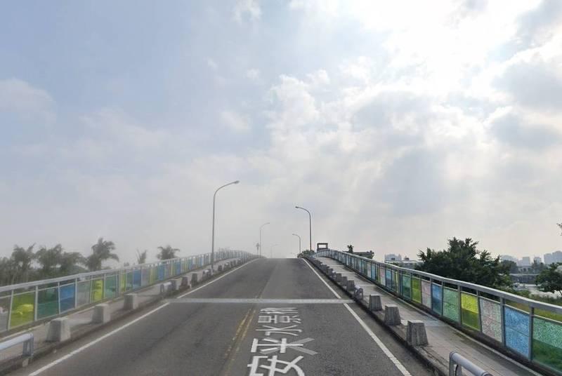 安平水景橋「美麗但不實用」 南市議員建議評估重建