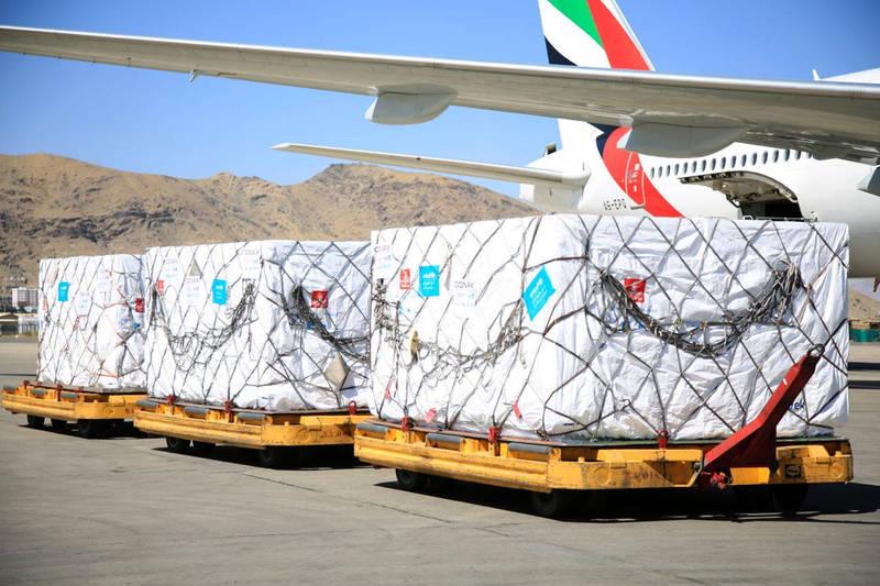 透過COVAX交付給阿富汗的首批嬌生疫苗,7月9日運抵首都喀布爾。(美聯社)