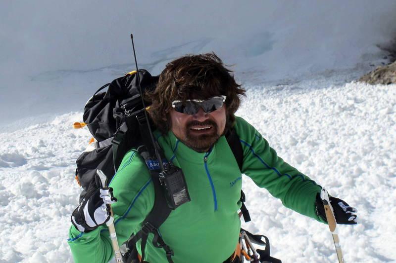 南韓「無指登山家」金洪彬18日成功登頂位於中國和巴基斯坦邊境、海拔8047公尺的布洛阿特峰(Broad Peak),不料隔日下山時墜入冰隙,失蹤至今,俄羅斯、巴基斯坦以及中國都派出相關人員進行搜救。(歐新社)