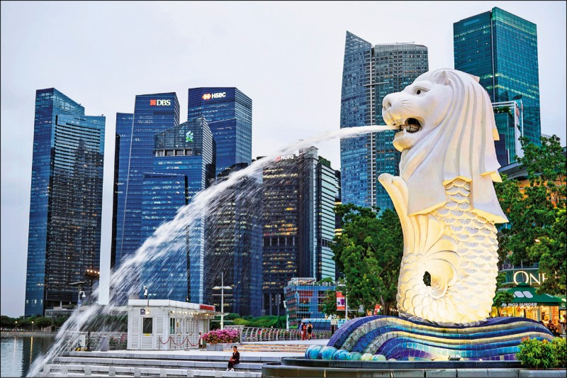 原本武漢肺炎疫情趨緩的新加坡,由於裕廊(Jurong)漁港群聚和KTV群聚而使疫情升溫。(歐新社)