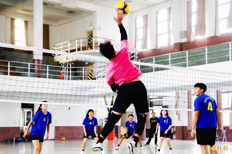 嘉義市北園國中排球隊是嘉市排球強隊。(記者林宜樟攝)