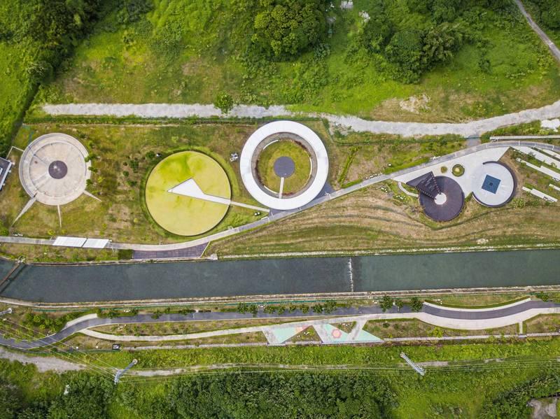 屏東縣長潘孟安今日po出「屏東五圓」的照片,呼應奧運五環的團結象徵,藉此向台灣隊表達支持。(取自潘孟安臉書)