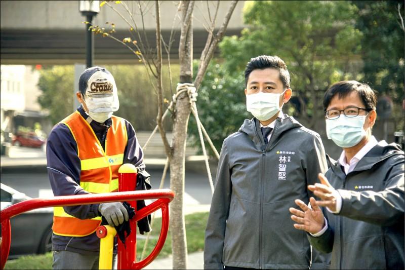 新竹市長林智堅表示,今明兩天將啟動全市125座公園、26處綠地消毒計畫,讓民眾安心使用。(市府提供)