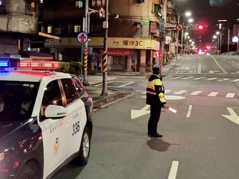 基隆警方將加強取締超速、闖紅燈、無照駕駛、危險駕車、酒後駕車及改裝排氣管等重大違規情事。(記者吳昇儒翻攝)