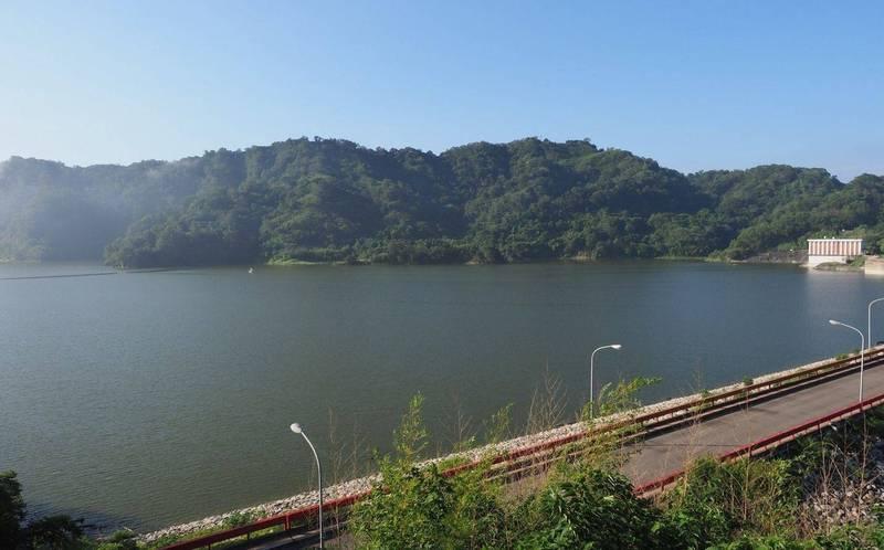 鯉魚潭水庫在烟花颱風帶來降雨下,2天又進帳540萬噸,距離滿水位只差400萬噸。(記者陳建志翻攝)