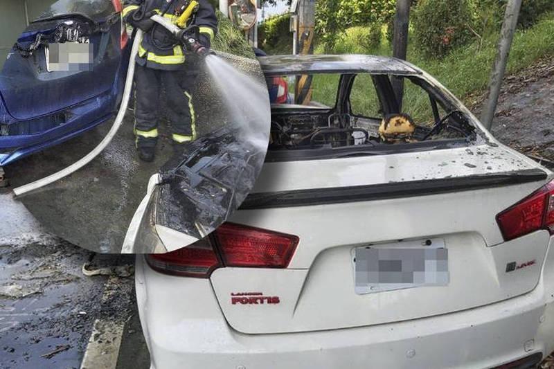 今天下午3點左右,一輛白色轎車輪胎沒氣使用車用打氣機打氣時,點菸座突然冒煙接著起火。(本報合成)