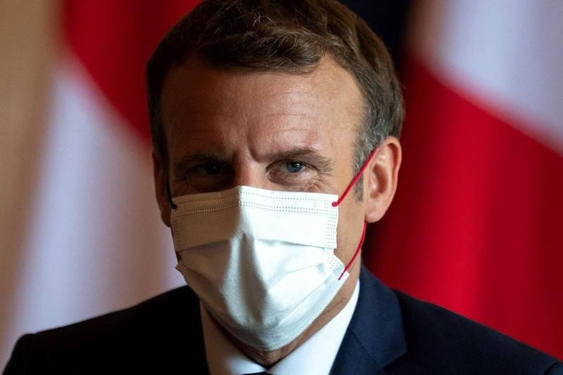 法國總統馬克宏(見圖)呼籲國人應團結抗疫及踴躍接種疫苗,並猛烈抨擊煽動反疫苗情緒及參與抗議的人。(法新社)