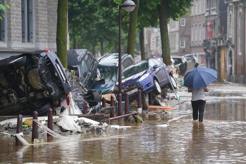 比利時24日1小時就降下50至70毫米的豪雨量。(法新社)