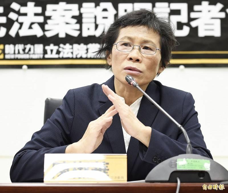 時代力量黨主席陳椒華(見圖)昨PO文質疑,ACIP委員有小兒科醫師、婦產科醫師,「你們懂免疫橋接?你們懂混打?」(資料照)