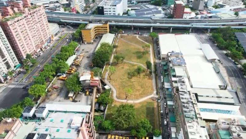 高雄廢棄水肥廠舊址變身綠地 ,未來將進行公辦都更。(高市府提供)