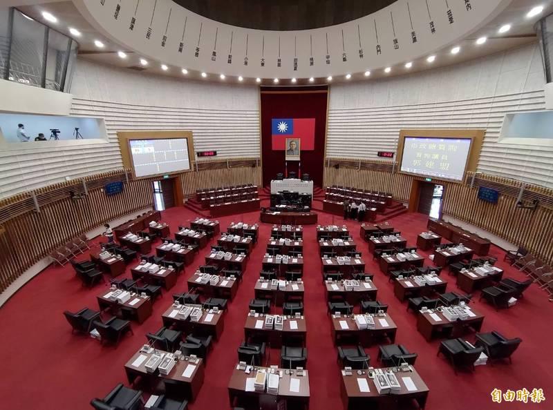 高市議會定期大會今復會,將接續未完的總質詢。(記者王榮祥攝)