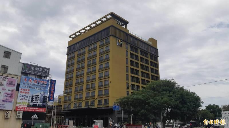 矗立台東市的「THE GAYA HOTEL」是由台東縣府設定地上權,招商民間興建的飯店。(記者黃明堂攝)