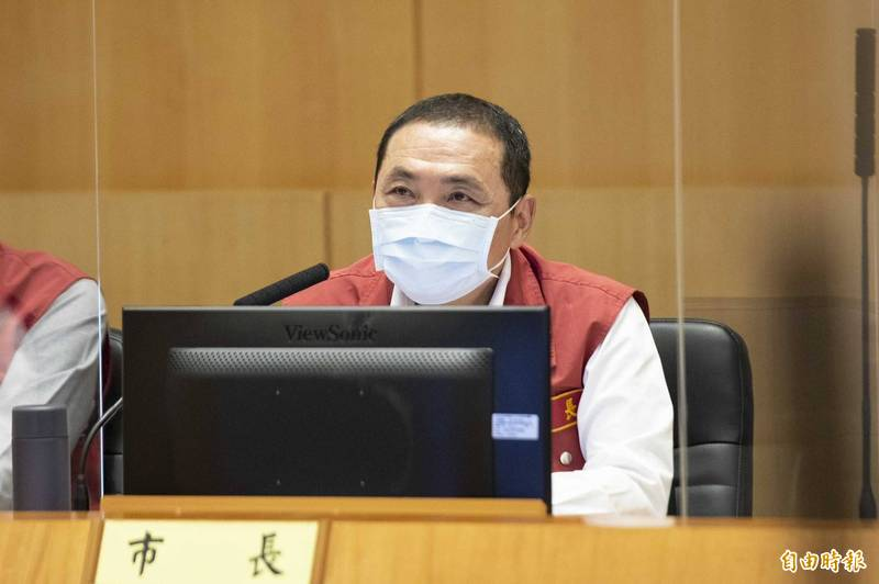 近來新加坡因漁港群聚影響導致武肺病例數上升,新北市長侯友宜表示,台灣須引以為鑑,加強漁港和漁船管理。(記者賴筱桐攝)