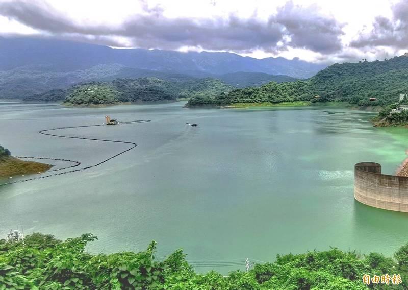 曾文水庫上游持續入流,連同烏山頭水庫合計蓄水量已破4億立方米。(記者吳俊鋒攝)
