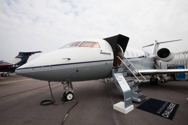 美國加州於26日,有架私人噴射機龐巴迪「挑戰者」605(Bombardier Challenger 605),於飛行時發生意外,墜落在龐德羅莎高球場(Ponderosa Golf Course)附近的樹林中,機上無人生還。圖為龐巴迪「挑戰者」605噴射機示意圖。(彭博)