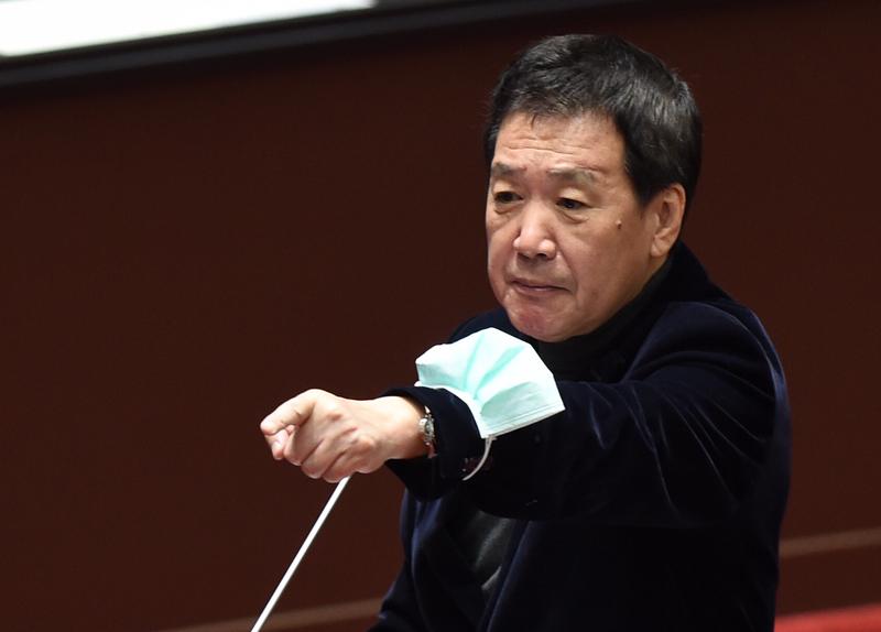國民黨團總召費鴻泰今表示,施打國產疫苗是林為洲個人意願,並自曝已接種莫德納疫苗。(資料照)