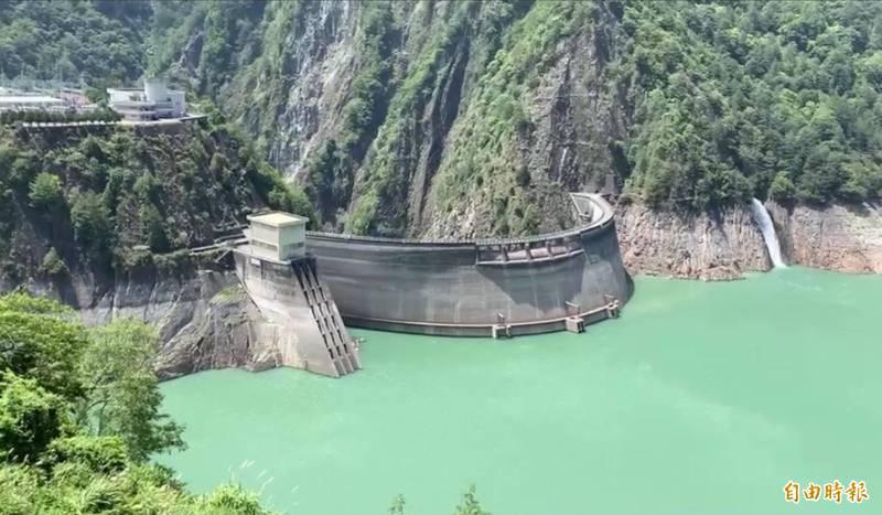 天氣晴朗,德基水庫29日再進帳145萬噸。(記者歐素美攝)