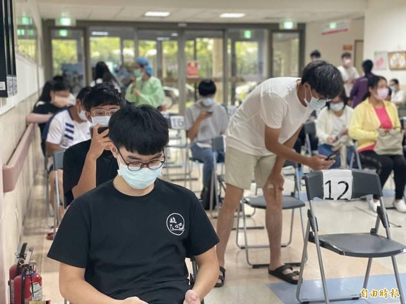 金門縣8月4日為在金門就讀學生施打疫苗。(資料照 記者吳正庭攝)