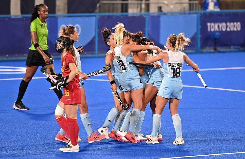 曲棍球女子分組預賽B組26日由西班牙對戰阿根廷,沒想到收看轉播的觀眾卻被一位「特別來賓」驚呆了。(法新社資料照)