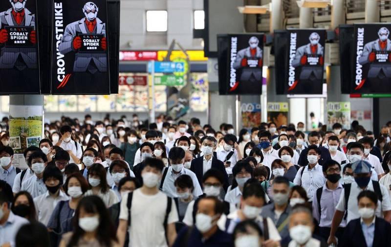 日本東京都29日召開分析武漢肺炎疫情的監測會議,專家表示從6月下旬開始的1個月,東京的住院患者翻倍增加至3000人,專家表示,「醫療供應體制開始告急,逐漸演變為危機狀況」。(路透)