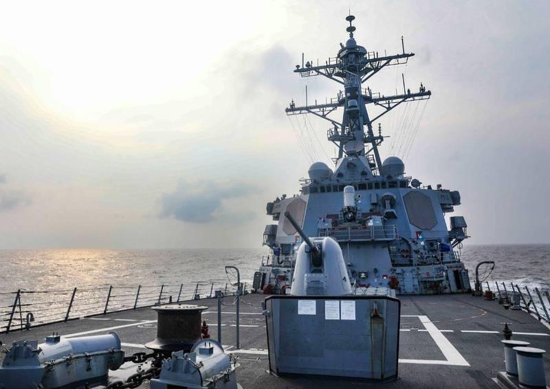 美國海軍伯克級飛彈驅逐艦「班福特號」(USS Benfold DDG-65)在台灣時間28日例行通過台灣海峽。(圖翻攝自美軍第七艦隊網站)