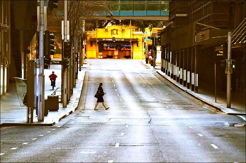 正在封城抗疫的澳洲雪梨,市中心的市場街(Market Street)二十九日一片冷清。(歐新社)