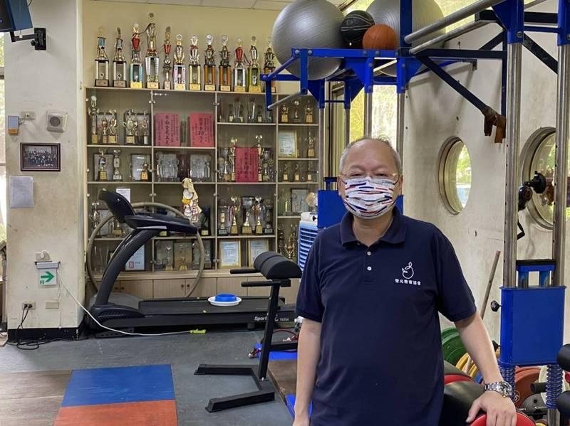 雄中新任校長莊福泰,過去在鼓山高中推動體育班。(莊福泰提供)