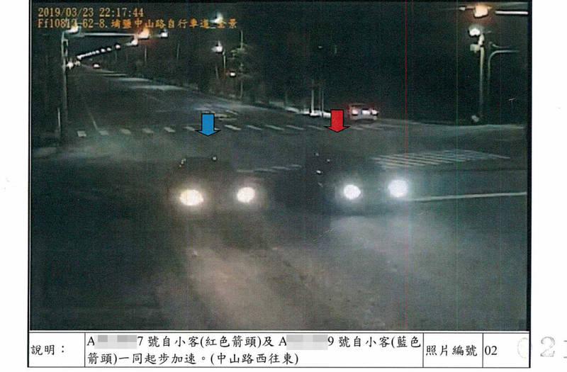 施男與王男併排尬車,佔據道路也製造噪音。(記者陳冠備翻攝)