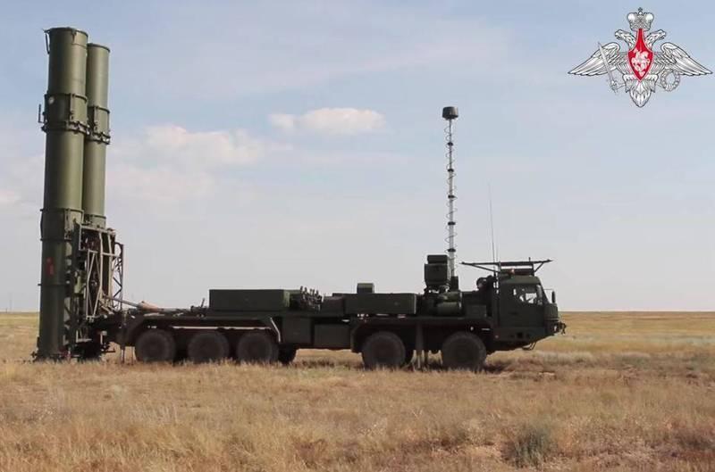 俄羅斯媒體透露,俄羅斯國防部已和俄國最大軍火商阿爾馬茲·安泰公司(Almaz-Antey)簽訂合約,下訂10多套S-500,顯示俄軍對於該系統性能已感到滿意。(圖翻攝自俄羅斯國防部)