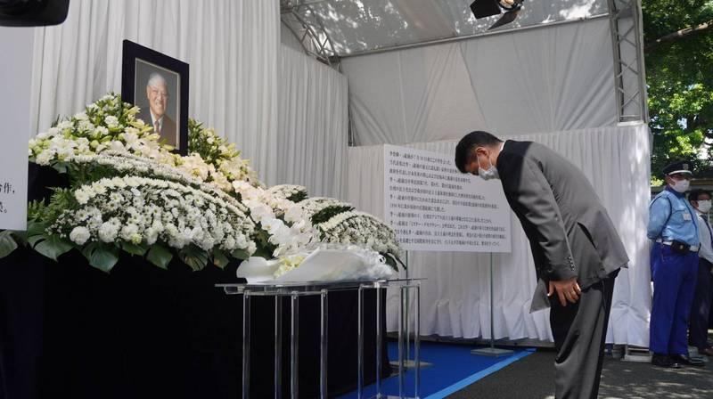 日本首相安倍晉三的胞弟、眾議員岸信夫去年來台追悼李前總統。(資料照,記者林翠儀攝)