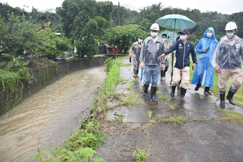 高雄市長陳其邁今視察山區雨勢與防災整備。(高市府提供)