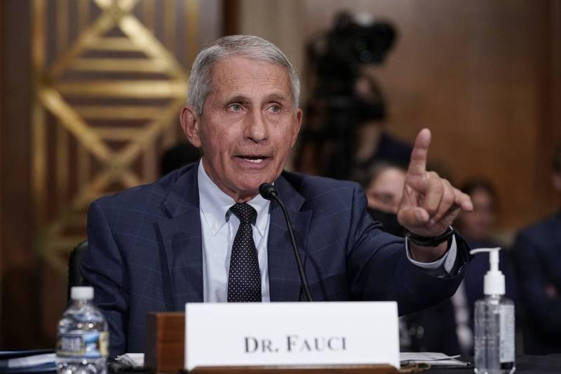 美國首席防疫專家佛奇(Anthony Fauci)30日表示,希望美國食品暨藥物管理局(FDA)能在8月下旬批准武漢肺炎疫苗的全面使用授權。(美聯社資料照)