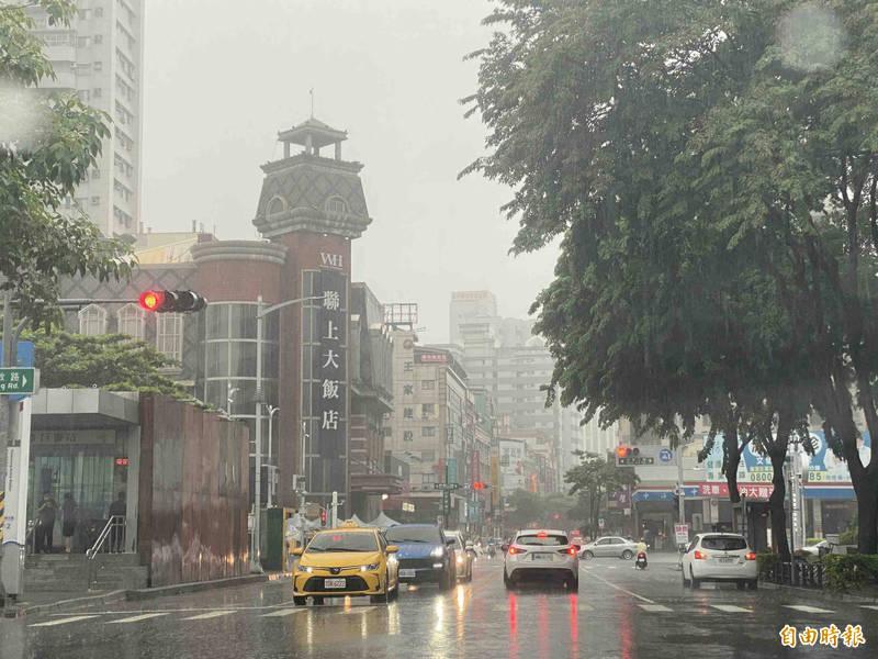 中央氣象局指出,今天(31日)雲林以南、澎湖地區有局部大雨發生的機率。(資料照)