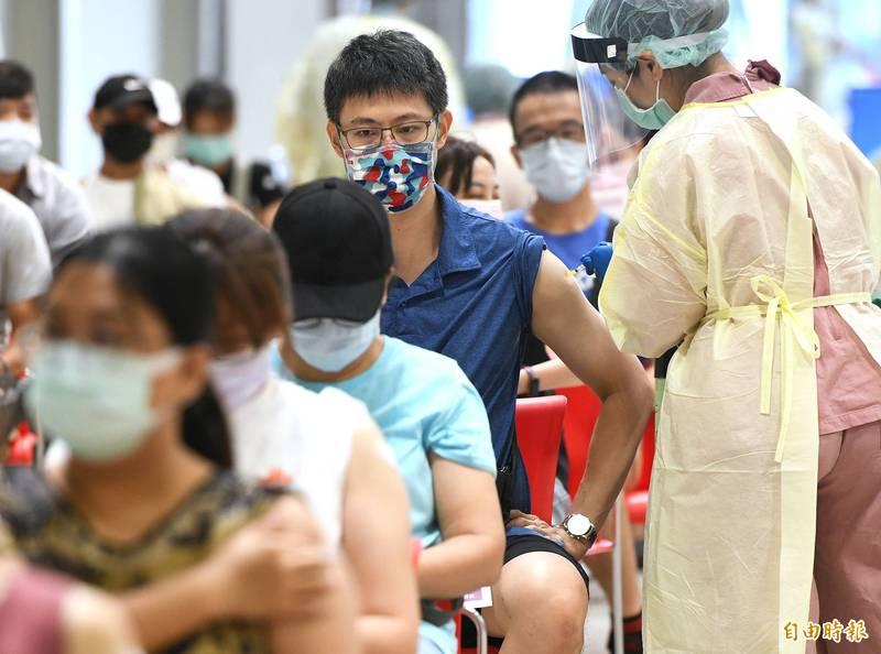昨天(30日)接種達23萬9877人次,涵蓋率也達32.82%。示意圖。(資料照)