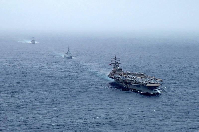 懸掛賴比瑞亞國旗的日本油輪「默瑟街號」30日在中東阿曼外海遭襲擊,共計2人死亡,美國中央司令部證實攻擊事件為無人機所為,已派出以雷根號航艦為中心的第5航艦打擊群(CSG 5)護航。(法新社)