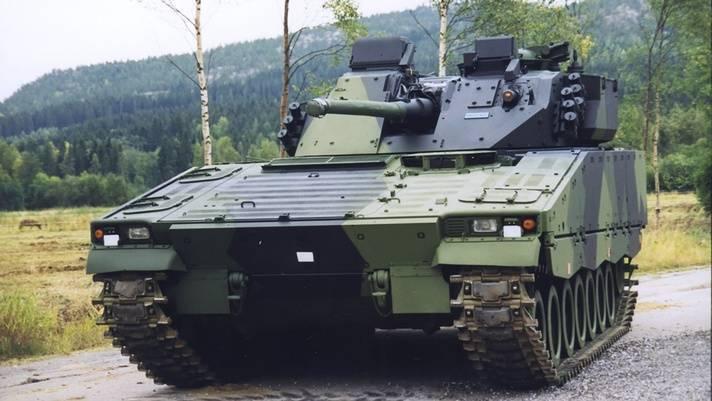 芬蘭國防部近日與英國貝宜系統公司簽訂合約,將為現役的CV9030FIN裝甲戰車進行中期壽命改良計畫,合約總值3200萬美元,原型車和測試車將優先升級,其餘的戰車則在2022年至2026年間進行改造。(翻攝自貝宜系統公司)