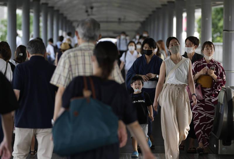 日本多地區今日確診數字創下新高。圖為神奈川縣街景。(美聯社)