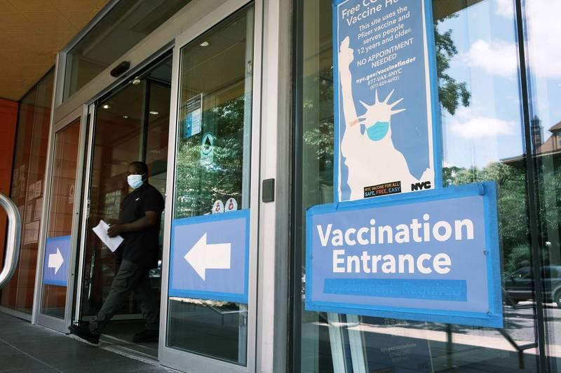 Delta變種病毒傳播力之強,迫使各國調整防疫政策。(法新社)