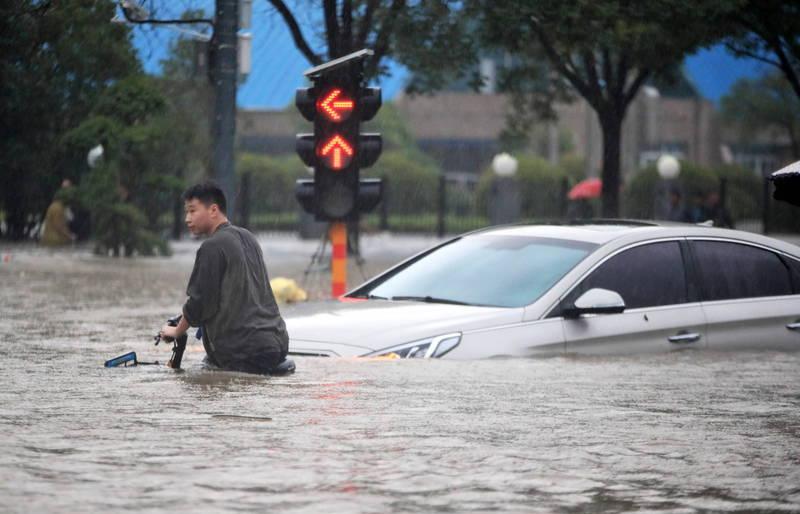 中國河南洪災引起國際關心。(歐新社)