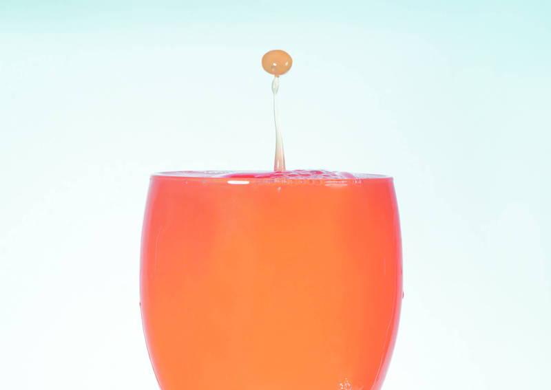 女子和情夫聯手在果汁內下毒殺害女子的丈夫和孩子們,(示意圖,資料照)