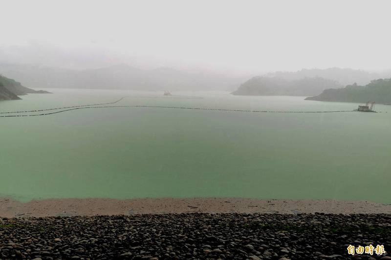 曾文水庫上游創下今年以來單日最大降雨量,蓄水率直逼8成。(記者吳俊鋒攝)