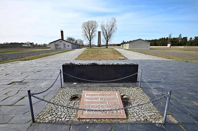 一名百歲翁曾於1942年至1945年在柏林附近薩克森豪森集中營(見圖)擔任警衛,年事已高的他被控是3500起謀殺案的幫兇,將在今秋受審。(法新社)