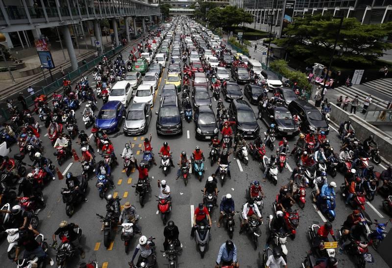 泰國今(1)日有數個省份爆發了抗議活動,要求總理帕拉育下台。(歐新社)