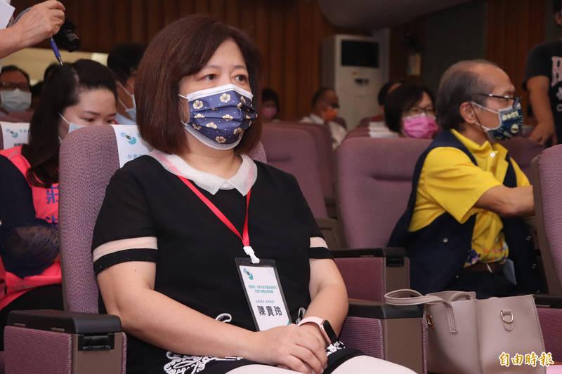 我國桌球好手林昀儒在這次東京奧運大放異彩,他的母親、壯圍國中校長陳貴玲今從校長職位退休,將陪伴昀儒出國比賽,照顧生活起居。(記者林敬倫攝)