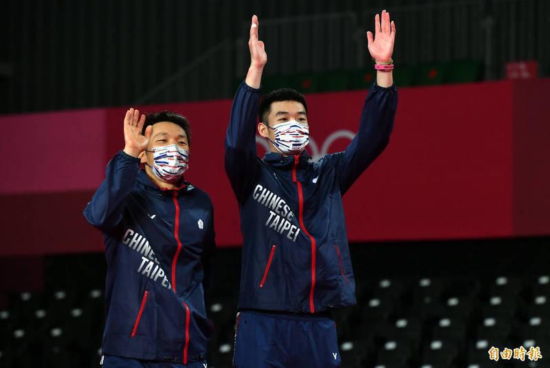 李洋(左)、王齊麟(右)奪金後,王齊麟在臉書發文「麟洋讓世界看見台灣了!」李洋也在臉書大呼:「獻給我的國家台灣!」(資料照,特派記者林正堃攝)