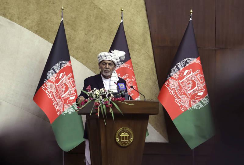 阿富汗總統加尼今日在國會發表演說。(美聯社)