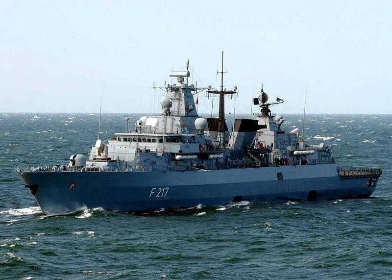 德國海軍巴伐利亞號巡防艦今天啟程前往亞洲,德國國防部長康坎鮑爾表示,此行目標是維護國際法,並確保海上航行自由。(圖擷取自維基百科)